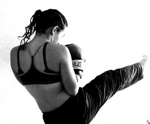 kickboxing as intense cardio for 30 mintues every day to lose weight fast